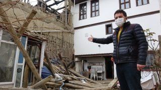 Şiddetli fırtınada evin duvarı devrildi, genç kız ölümden döndü