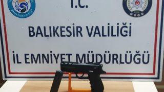 Balıkesir'de 15 aranan şahıs yakalandı