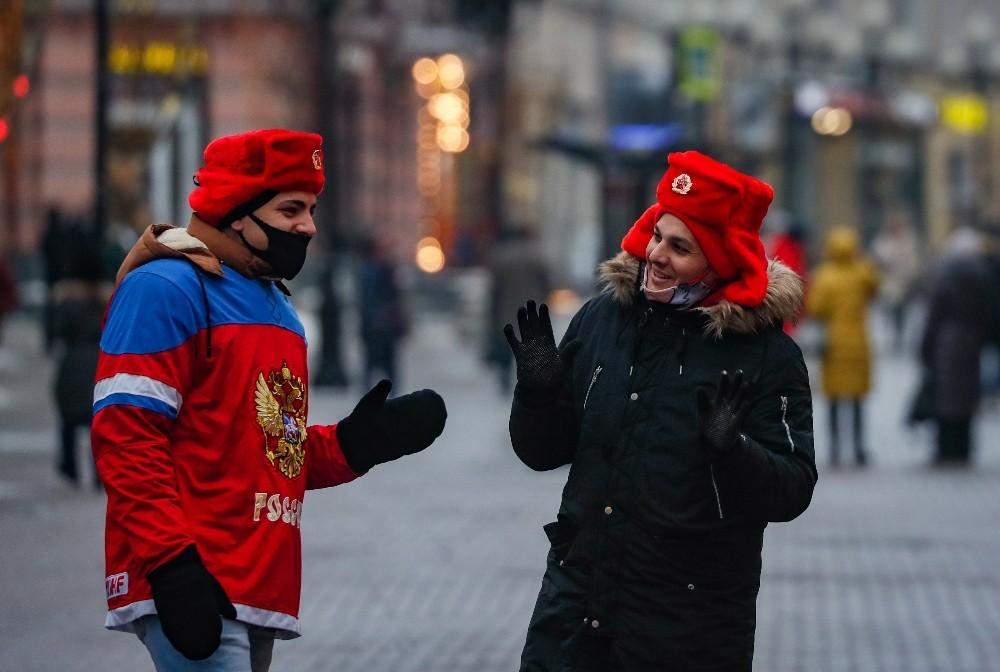 Rusya'da maske takma zorunluluğu kaldırılıyor!