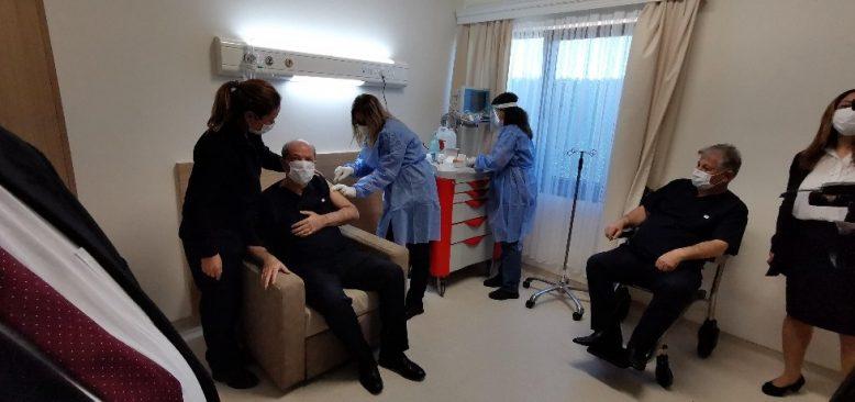 KKTC Cumhurbaşkanı Tatar, koronavirüs aşısı oldu