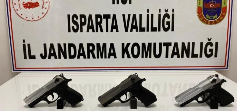 Isparta'da silah ticareti operasyonuna gözaltı