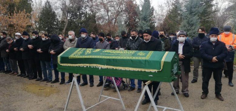 Kazada hayatını kaybeden gazete dağıtıcısı toprağa verildi