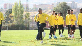 Yeni Malatyaspor, Perulu futbolcuyla yollarını ayırdı