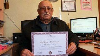 72 yaşında Mehmet Kaya üçüncü üniversite diplomasını aldı