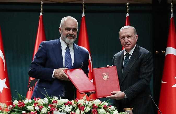 Arnavutluk Başbakanı Edi Rama ve Cumhurbaşkanı Erdoğan'dan ortak basın toplantısı