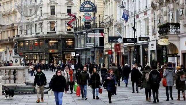 Avusturya'da karantina süresi uzatıldı