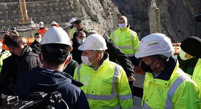 Bakanlar Yusufeli Barajı'nda incelemelerde bulundu