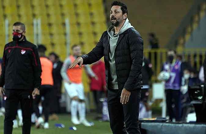 Fenerbahçe'nin hocasından rakibe göre taktik