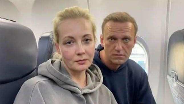 Rus muhalif Navalni ülkesine döndü