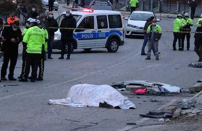 Samsun'da belediye işçileri taşıyan servis devrildi