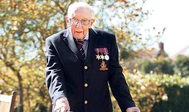 Yüzbaşı Tom Moore Covid-19 nedeniyle hastaneye kaldırıldı