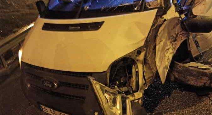 Tarsus'ta aşırı yağış zincirleme kazaya neden oldu
