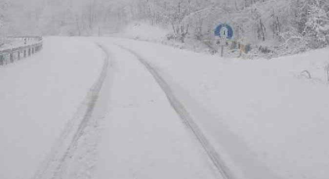 Yoğun kar sonrası 113 yerleşim yeri ulaşıma kapandı