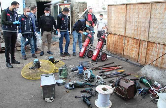 Antalya'da polis, zabıta ve maliyeden ortak Zeytinköy operasyonu