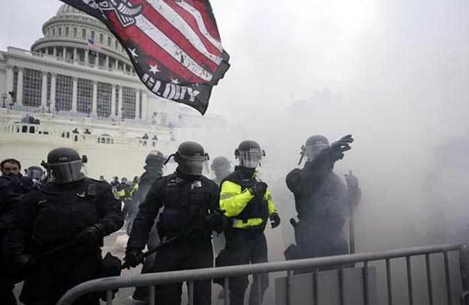 ABD'de ortalık karıştı! Göstericiler kongre binasını bastı