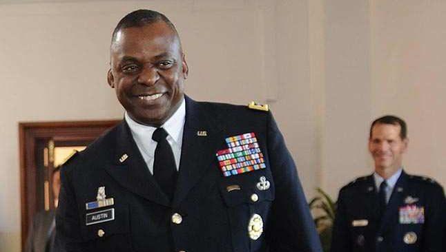 ABD'nin ilk siyahi Savunma Bakanı Austin yemin ederek göreve başladı