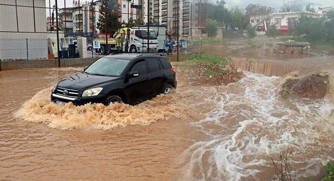Antalya'ya bereket yağdı! Dereler taştı barajlar doldu