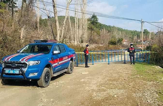 Antalya'da Haskızılören mahallesinde 15 hane karantinada!