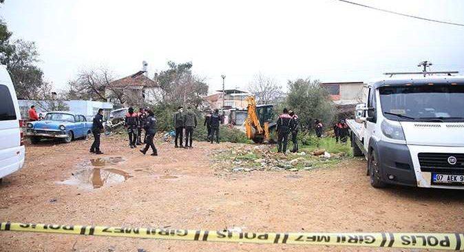 Antalya'da silahlı kavga! 1'i ağır 3 kişi yaralandı