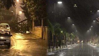 Antalya'da şiddetli yağış ve fırtına hayatı felç etti