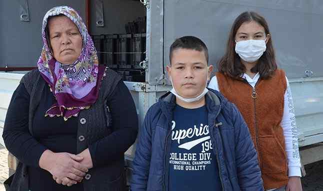 Serik ilçesinde Şerife Demir'in 3 çocuğuyla birlikte babasının evine doğru gittiği kamyonet, Suriye uyruklu kişi tarafından durduruldu. Şerife Demir'in inmesinin ardından direksiyona geçen bu kişi, kasada 2 çocuğun bulunduğu kamyoneti kaçırdı.