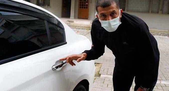 Taciz edildiğini iddia ettiği adamın otomobilini çizdi