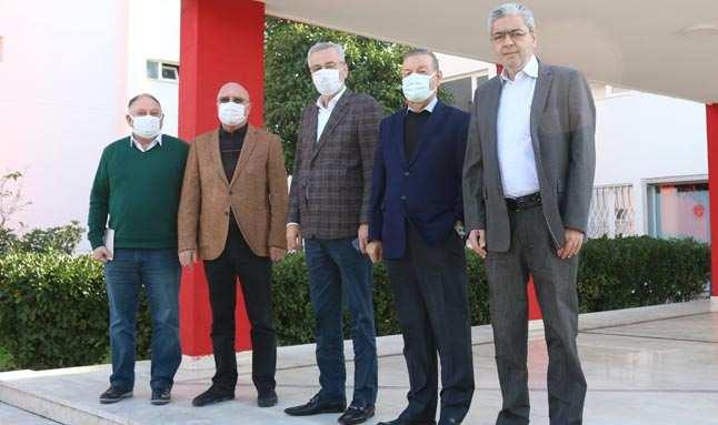 Eski başkanlardan Antalyaspor'a tam destek