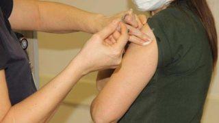 CoronaVac aşısı Antalya'da başarıyla uygulandı