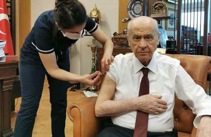 MHP Lideri Bahçeli de koronavirüs aşısı oldu! Sosyal medya hesabından paylaştı