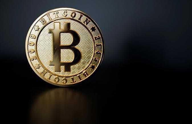 Bitcoin zirveyi gördü