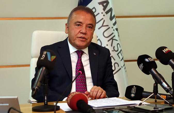 Antalya Büyükşehir Belediye Başkanı Muhittin Böcek'ten 10 Ocak Çalışan Gazeteciler günü mesajı