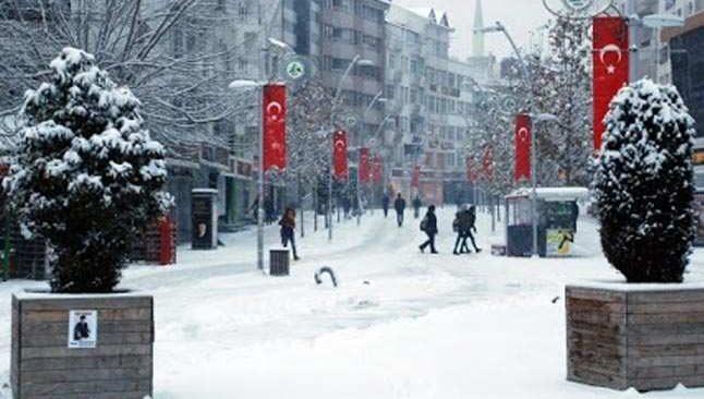 Ahmet Ümit'ten 1 günlük kar izni