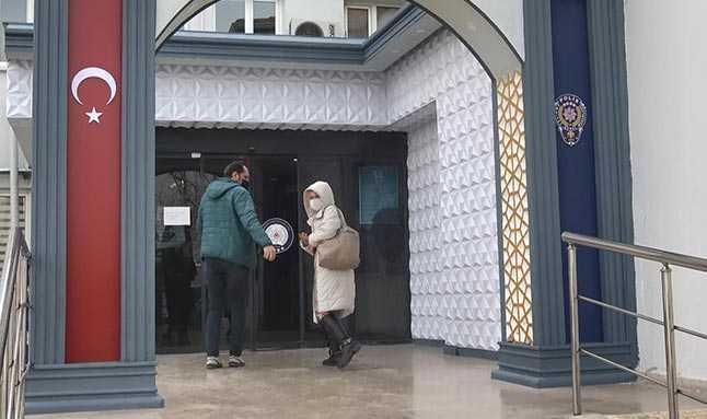 Bursa'da sokağa çıkma kısıtlamasında fuhuş pazarlığı yaptı.