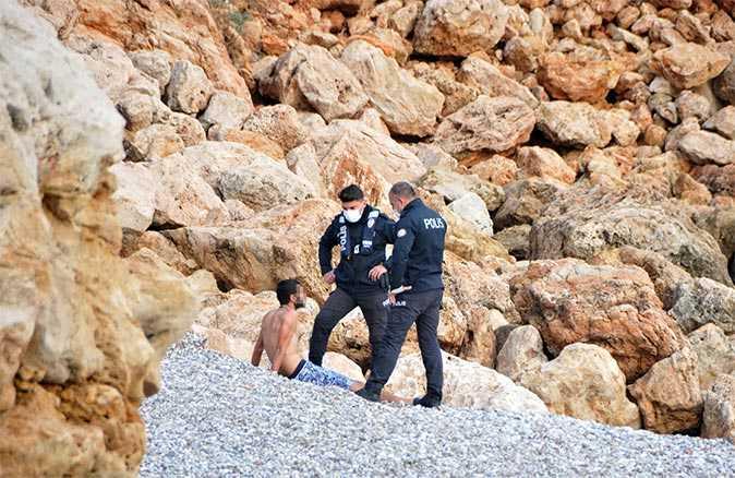 """Falezlerden atlayan genç: """"Ne intiharı abi. Denize giriyordum"""