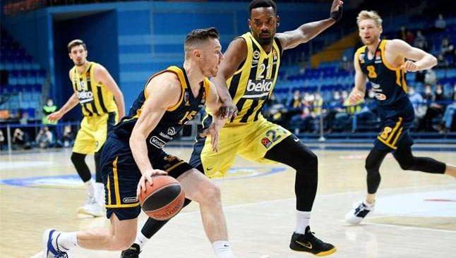 Fenerbahçe, Moskova'yı farklı yendi