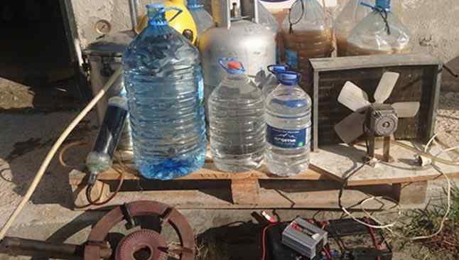 Manisa'da pet şişelerde kaçak içkiye gözaltı