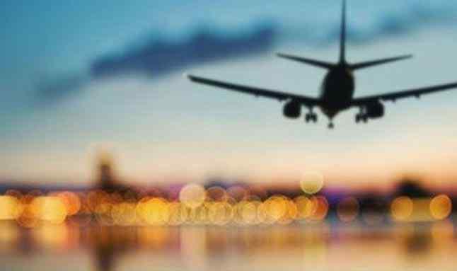 İngiltere, 16 ülkeyle uçuşları askıya aldı