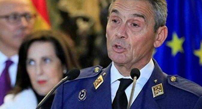 İspanya Genel Kurmay Başkanı protokolü çiğneyerek koronavirüs aşısı yaptırdı, istifa etmek zorunda kaldı