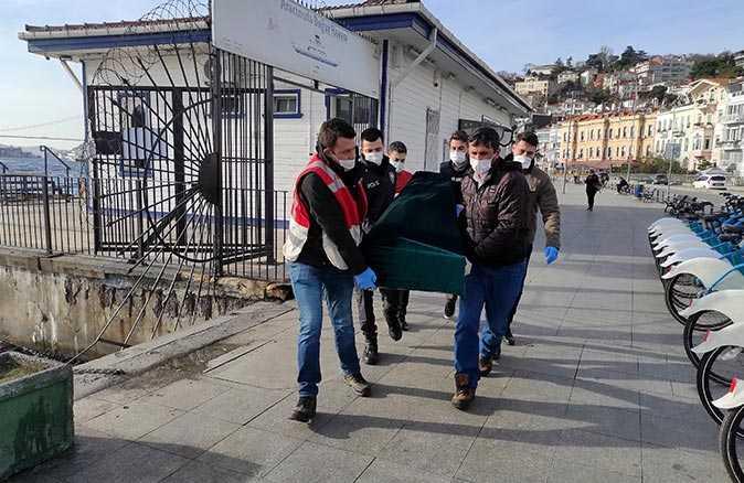 İstanbul'da kahreden ölüm! Çantasına taş doldurup denize atladı