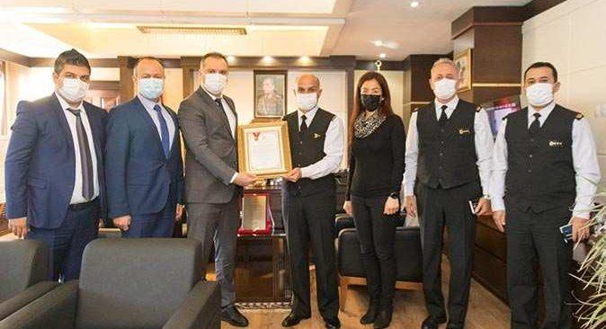 Antalya İl Jandarma Komutanlığı Kurumsal Kan Bağışçısı Altın Ödülü'ne layık görüldü