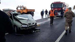 Katliam gibi kaza! Jandarma Uzman Çavuş, eşi ve minik oğulları yaşamını yitirdi