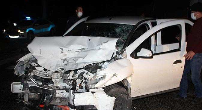 Serik'te zincirleme kaza! 4 kişi yaralandı
