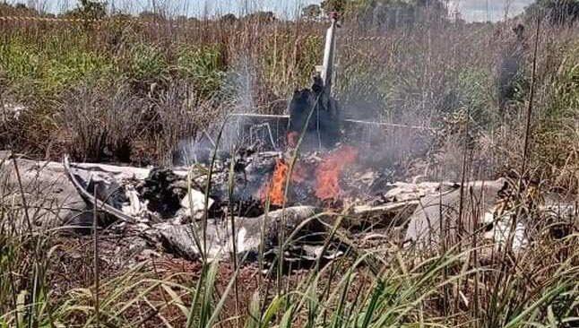 Korkunç kaza! Futbolcuları taşıyan uçak düştü...