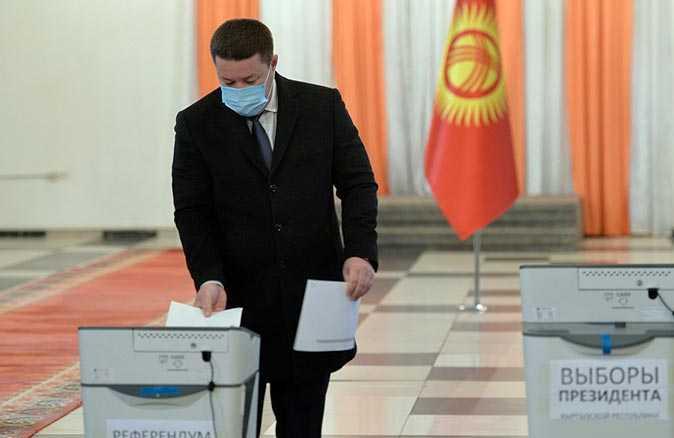 Kırgızistan halkı sandık başında