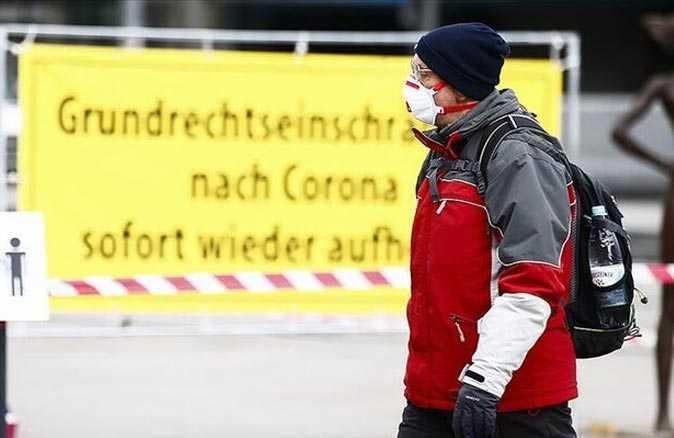 Almanya'da kısıtlamalar ay sonuna kadar uzatıldı