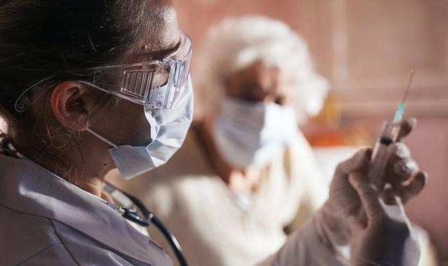 Sağlık Bakanlığı koronavirüs aşısı uygulanacak grupları açıkladı