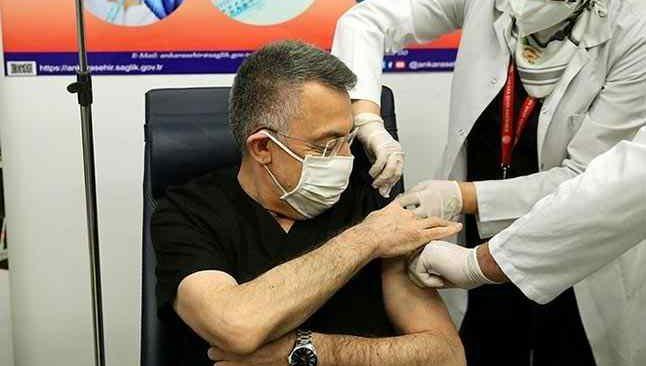 Cumhurbaşkanı Yardımcısı Fuat Oktay aşı oldu