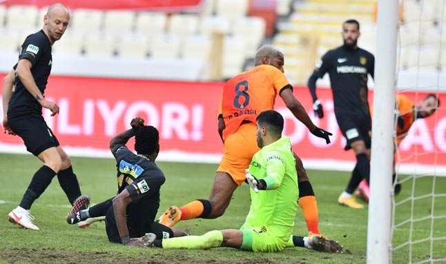 Galatasaray'ın yüzünü Babel güldürdü