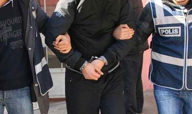 Filmlere özenen gençler, polise yakalandı