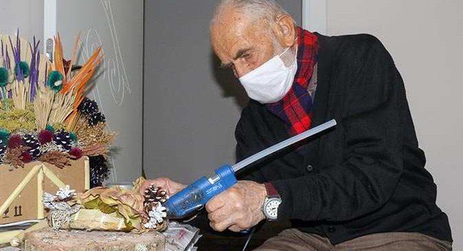 88'lik Mehmet dedenin yaptığı eserler görenleri hayrete düşürüyor